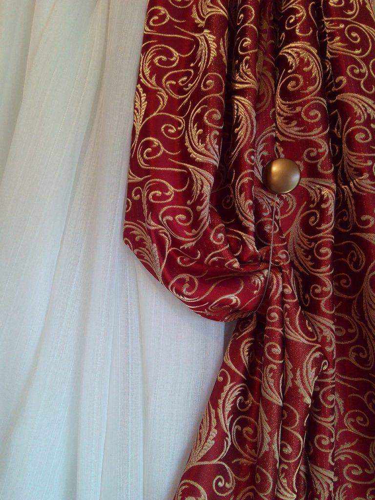Бордовые шторы фото 3